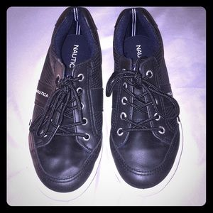 Nautica boys black shoes size 2; worn for 2 hours!